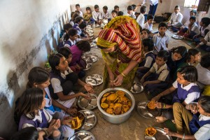 The mid-day meal being served to schoolchildren in Muhali, Madhya Pradesh. Credit: ADB