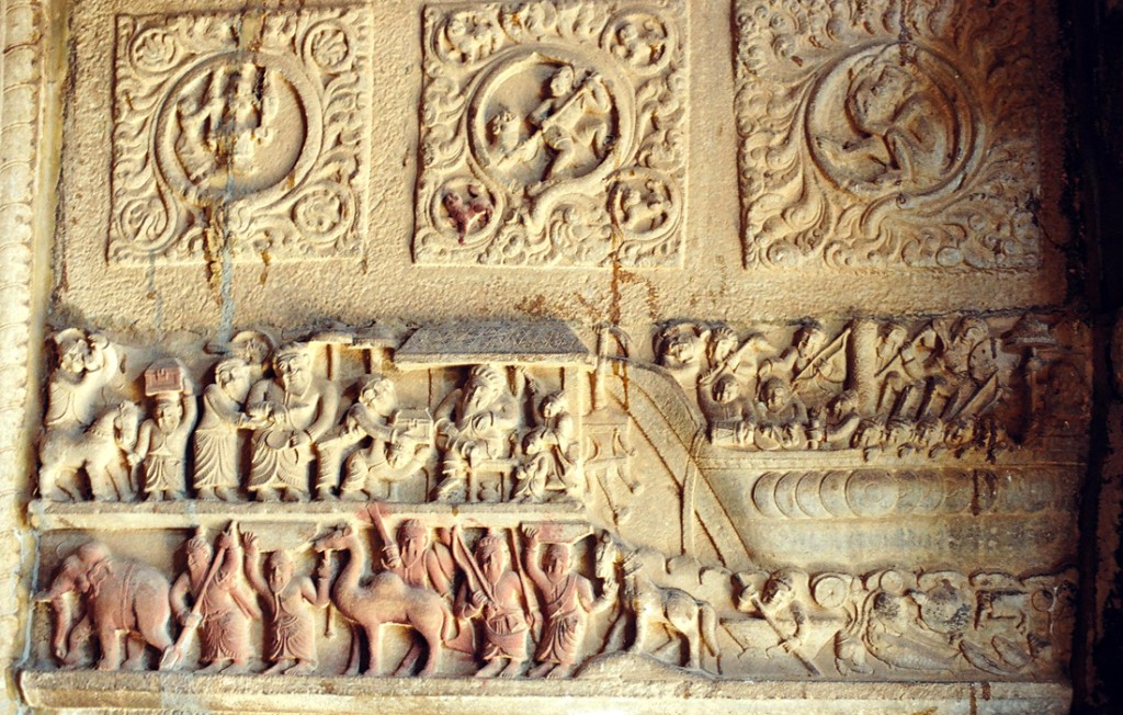 A bas relief sculpture showing the maritime trade of the Muslims found at the Thirukurungudi Nambi temple  in southern Tamil Nadu