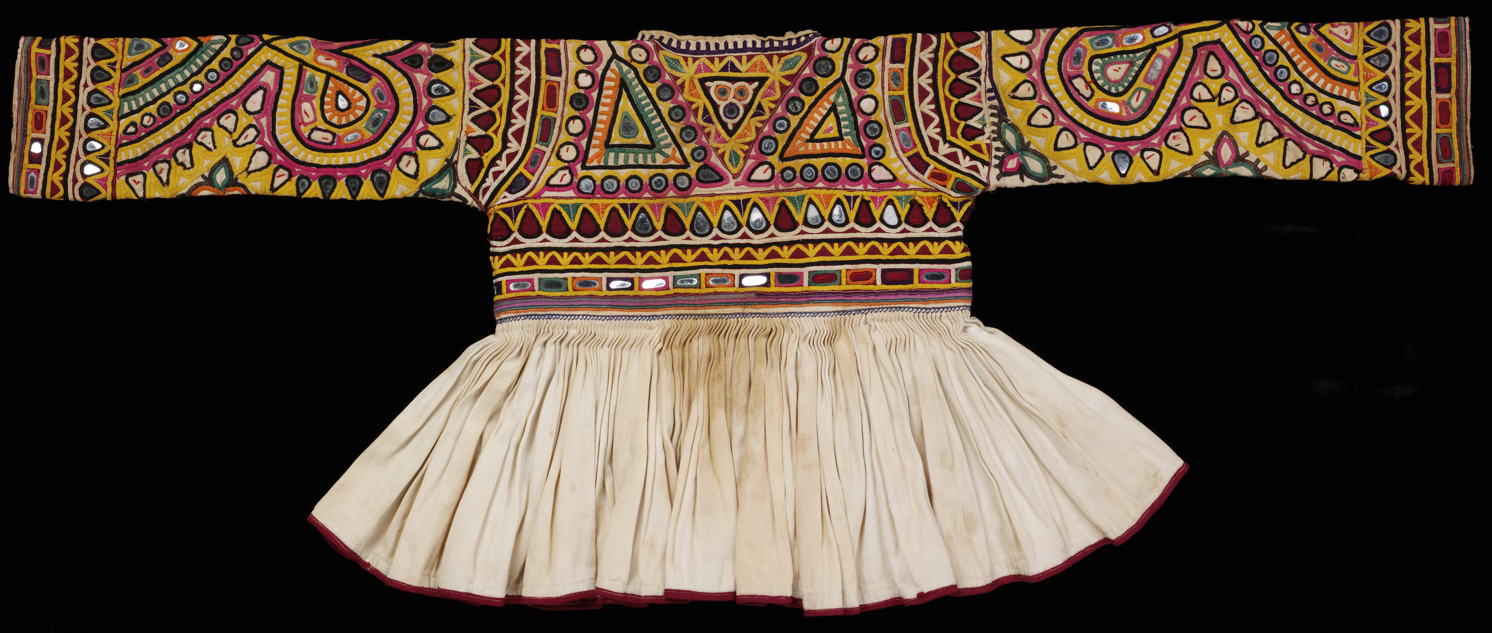 The Fabric Of India A Showcase Of Indian Textiles Set To