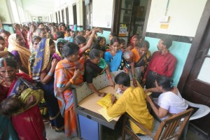 People waiting to get registered at Motihari District Government Hospital in East Champaran, Bihar. (Credit: Ranjan/Oxfam India)