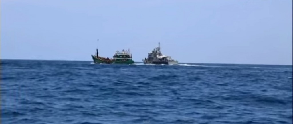 Sri Lankan Navy Captures Boat With 30 Rohingya Refugees on Board