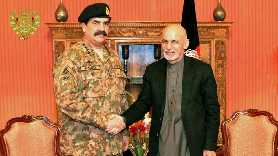 File photo of Afghan President Ashraf Ghani and Pakistan Army Chief Raheel Sharif. Credit: ISPR