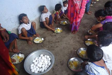 Village Rebels Against Chouhan, Serves Eggs in Mid-Day Meals