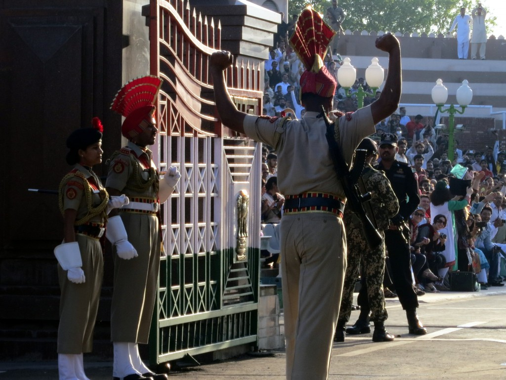 Closing ceremony at the Wagah border. Credit: Stephen Krasowski, CC BY 2.0