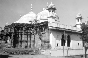 The Gyanvapi mosque in Varanasi, built on the site of a temple demolished by Aurangzeb. Credit: Dr. AP Singh