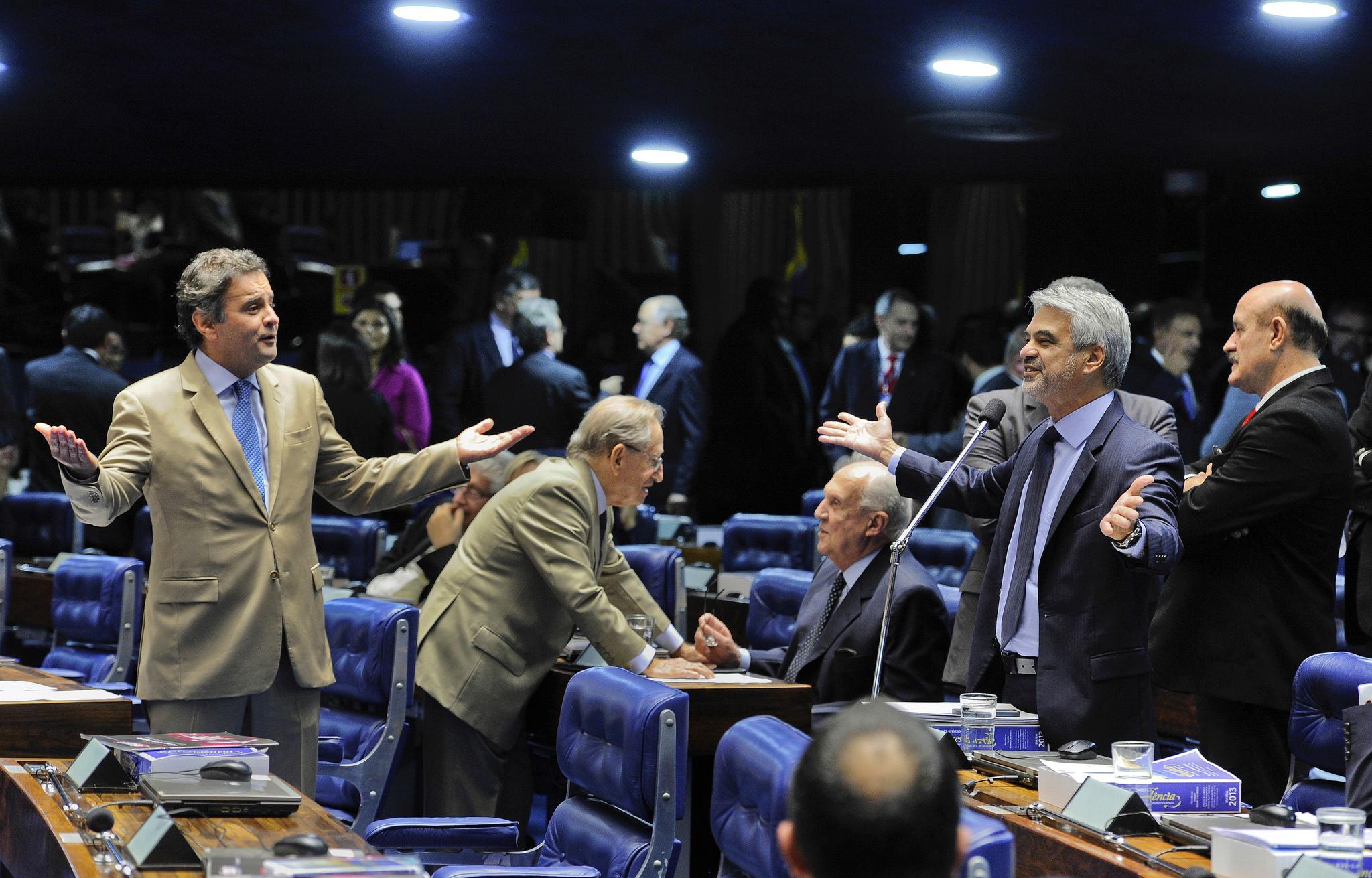 In this file photo of the Brazilian Senate, PSDB leader Aecio Neves is on the left. Credit: Pedro França/Agência Senado