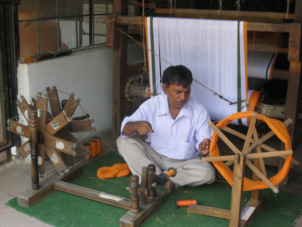 "Khadi Sales Have Not ""Doubled""; Up Only 6% During 2014-15"