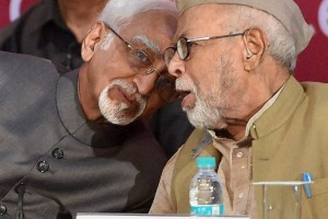 Vice President Hamid Ansari with Syed Shahabuddin during the golden jubilee celebration of All India Muslim Majlis-e-Mushawarat (AIMMM) in New Delhi on Monday. PTI Photo by Shahbaz Khan(
