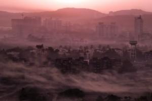Mumbai shrouded in smog. Credit: tawheedmanzoor/Flickr, CC BY 2.0