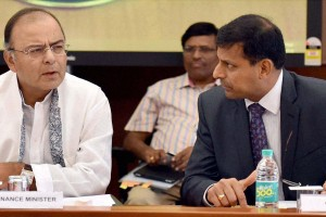 File photo of Finance Minister Arun Jaitley with RBI governor Raghuram Rajan at a meeting at Reserve Bank of India headquarters in Mumbai. Credit: PTI Photo by Santosh Hirlekar