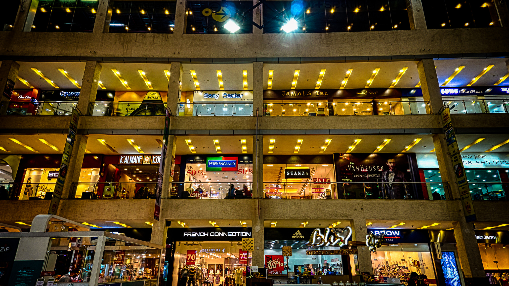 13 Best Malls In Mumbai To Shop