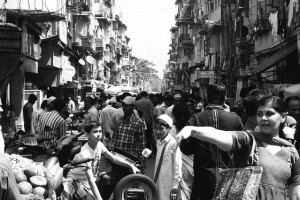 A crowded Mumbai street. Image: Pixabay