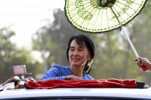 File photo of Aung San Suu Kyi campaigning. Credit: Htoo Tay Zar/CC BY-SA 3.0 via Wikimedia Commons