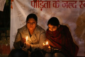 Keep That Candle Forever Lit: File photo of women on vigil outside Safdardarjung Hospital in December 2012. Credit: Ramesh Lalwani/Flickr CC 2.0