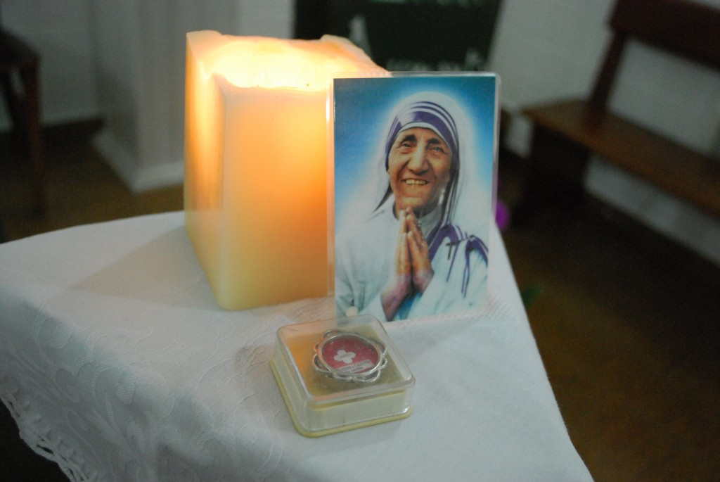 Mother Teresa's relic, a medallion and photo that were given to the family by Father Elmiran, at the Sao Vicente church. Source: Dioscese of Santos, Sao Paulo