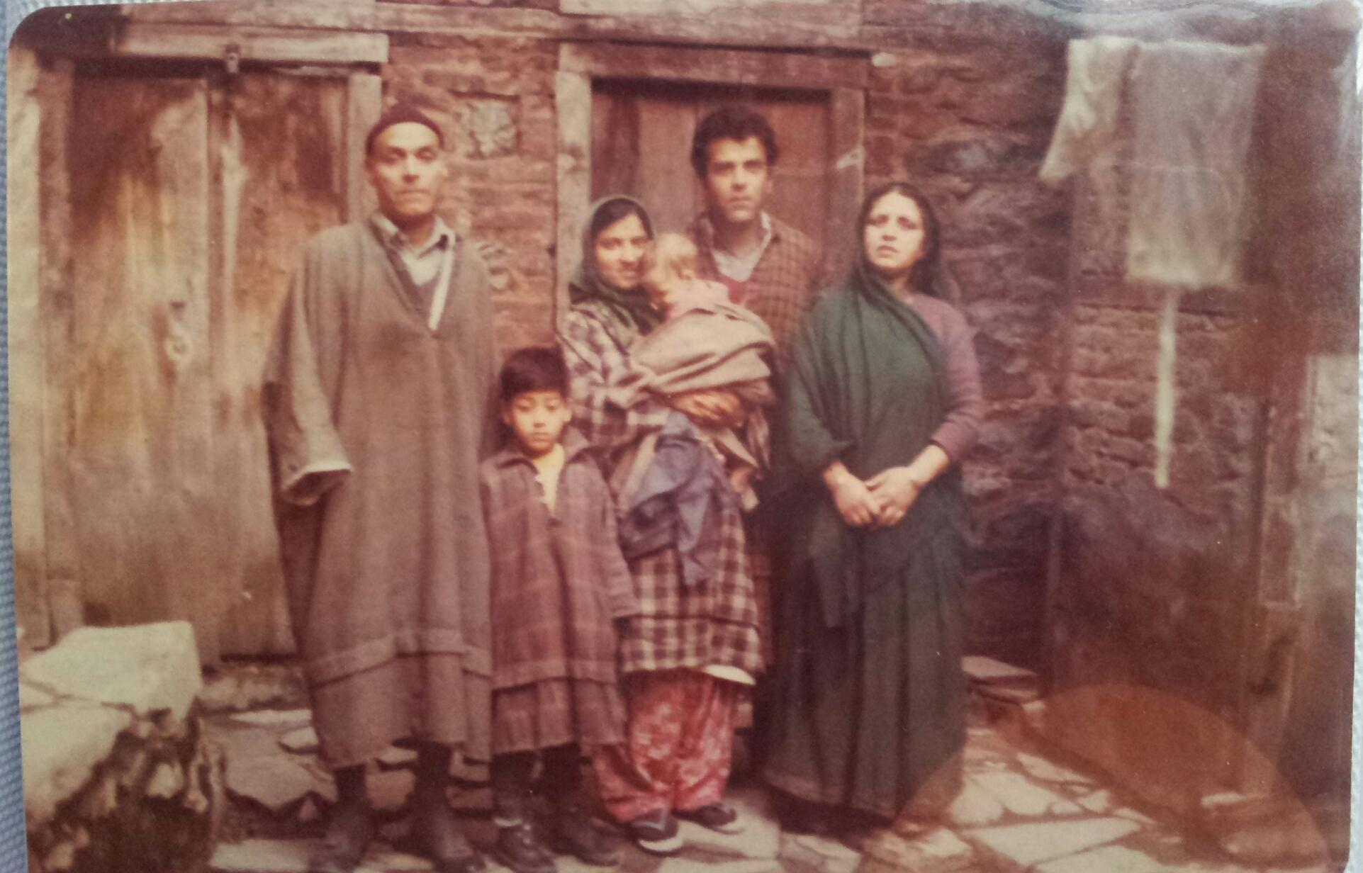 Gigoo-Family-Ancestral-House-Kashmir-1980