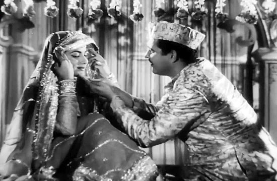 The Romance and Mystique of Waheeda Rehman in Chaudhvin ka Chand