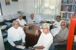 Krishna Raj, editor of the Economic and Political Weekly from 1969 to 2004, seen here with the  trustees of the Sameeksha Trust. Credit: EPW