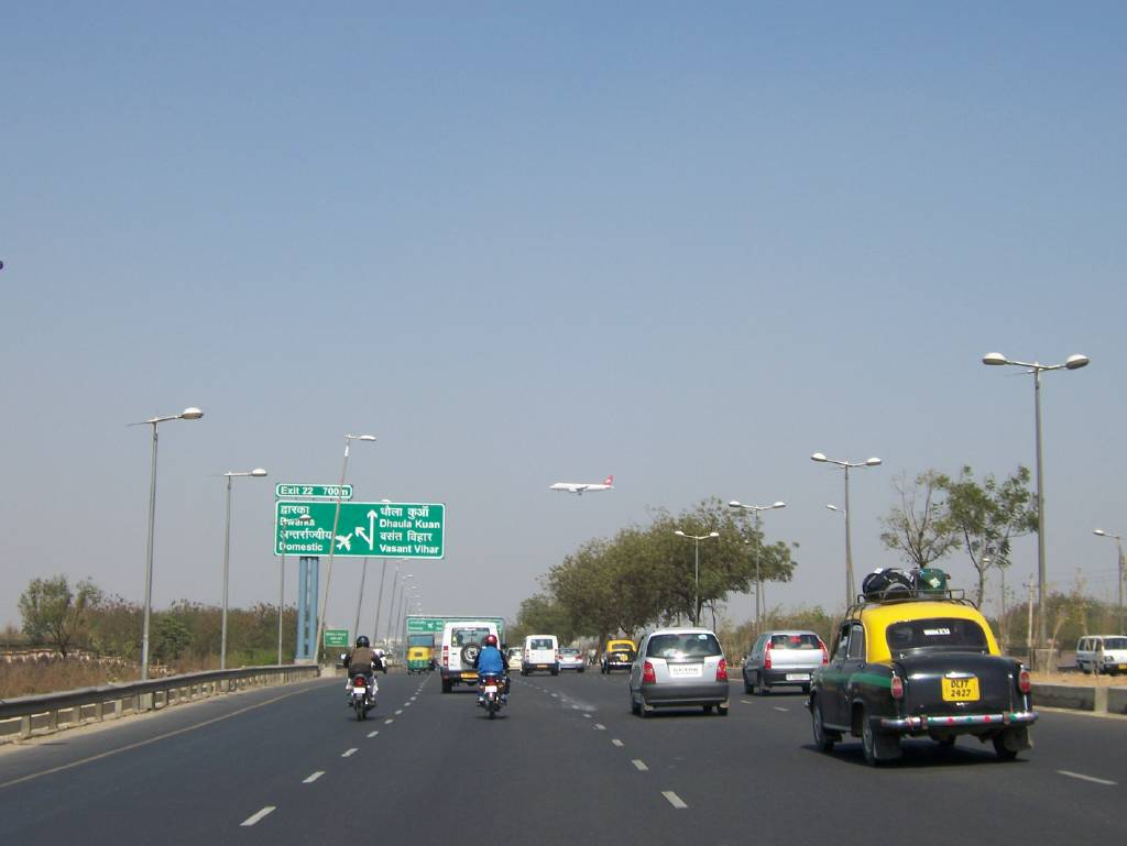Delhi-Gurgaon Expressway: According to the Law Commission of India, 50% of those killed in road accidents could have been saved had timely assistance been rendered to them. Credit: Wikimedia Commons