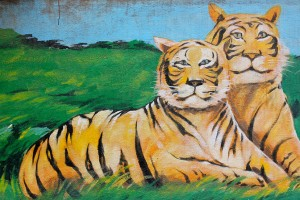A mural depicting two tigers, in J.P. Nagar, Bengaluru. Credit: nagarjun/Flickr, CC BY 2.0
