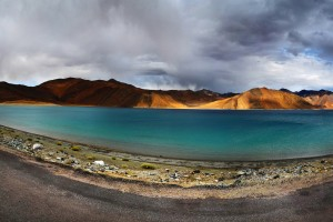 A panoramic shot of the Indo-Tibetan Pangong Tso, an endorheic lake. Credit: priyamn/Flickr, CC BY 2.0