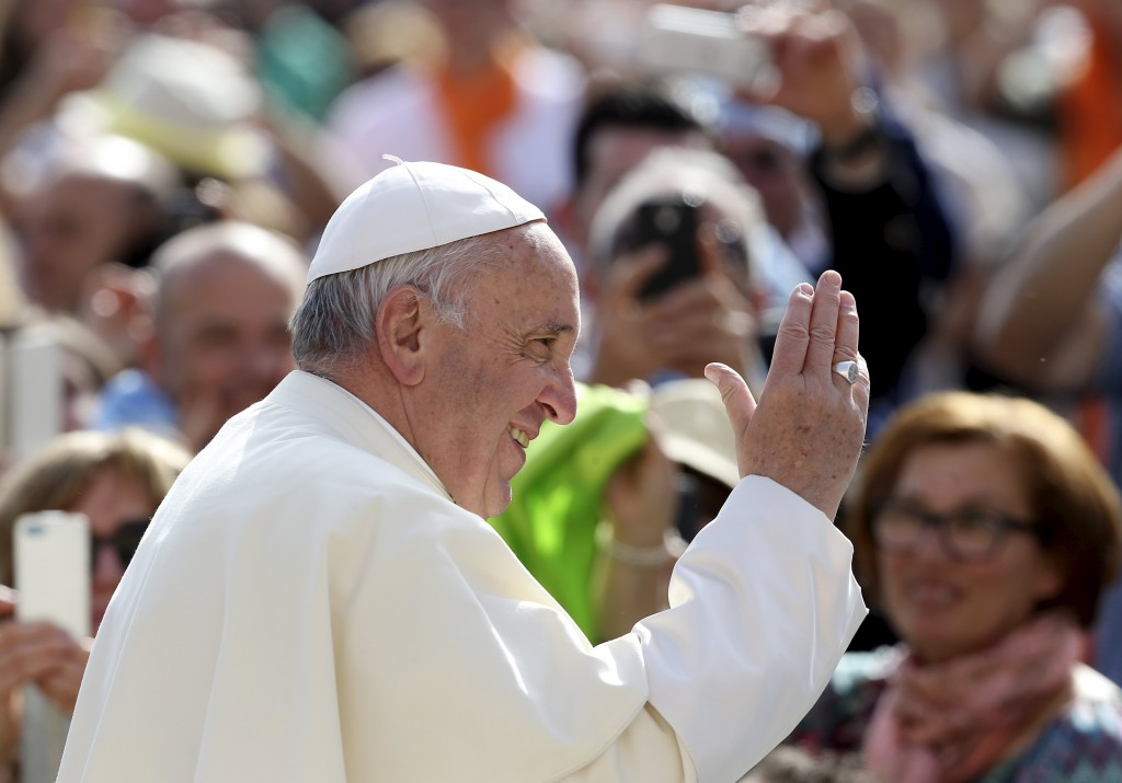 """Pope Calls for Compassionate Church Open To """"Imperfect"""" Catholics"""