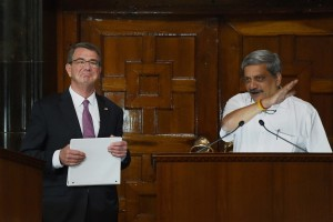 Union Defence Minister Manohar Parrikar and the US Secretary of Defence Ashton Carter address a joint Press Conference at South Block in New Delhi on April 12. Credit: PTI