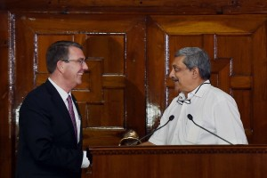 Defence Minister Manohar Parrikar and his US Secretary of Defense Ashton Carter address a joint Press Conference at South Block in New Delhi. Credit: PTI