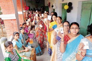Voters line up in West Bengal. Credit: PTI