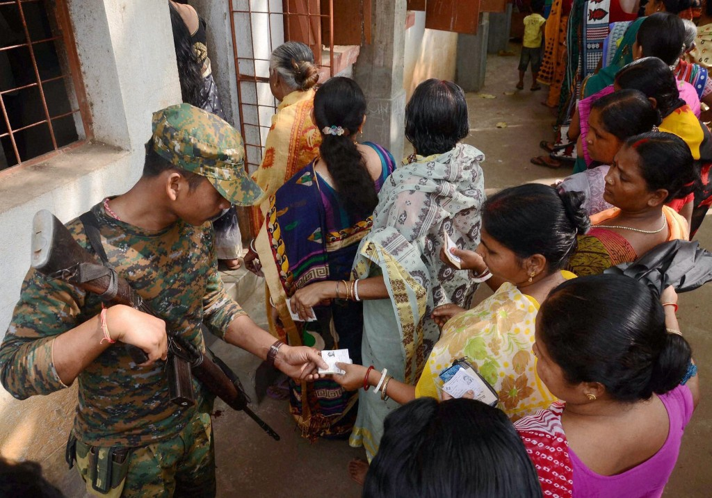 Central Forces Let Down Bengal Voters on First Day of Polling