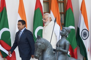 Major General Ahmed Shiyam, Chief of the Maldives National Defence Force, explaining the salient features of the Uthuru Thila Falhu project to the visiting Indian foreign secretary in 2014. Credit: High Commission of India, Malé
