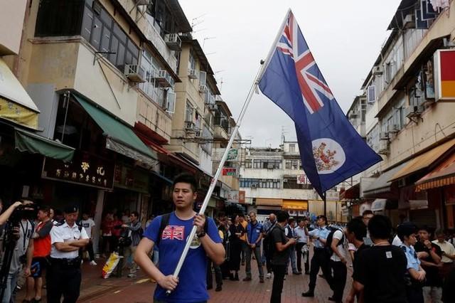 Chinese Official Visits Hong Kong as Independence Calls Grow