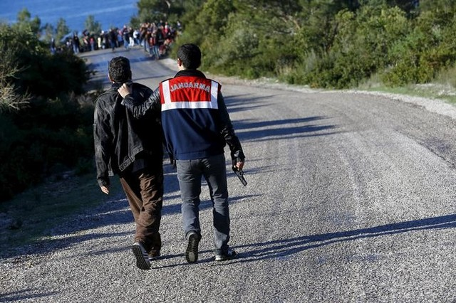 Smugglers Made Over $5 Billion off Migrants to Europe Last Year, Says Report