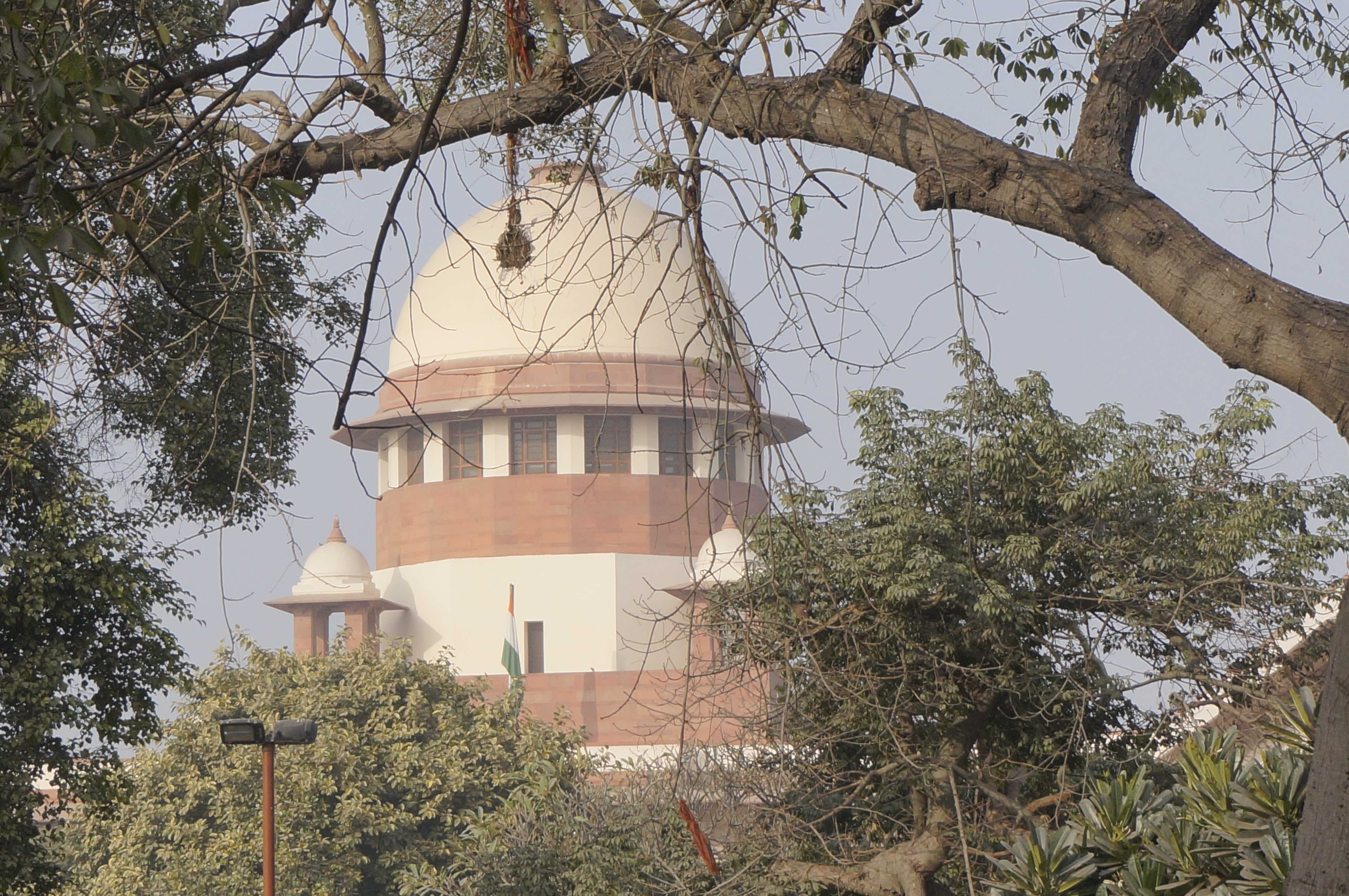 Supreme Court Sets Aside Contempt Proceedings Against Outlook Journalists