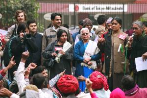 File photo of Aruna Roy addressing a rally. Credit: Hemanshu Kumar/Flickr CC BY-NC-ND 2.0