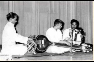 D.V. Paluskar performing Raga Gaud Malhar. Credit: Wikipedia