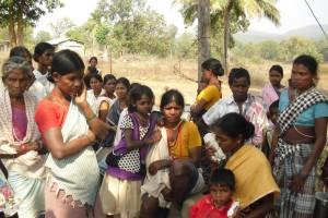 Minpa villagers outside Sukma thana, Chhattisgarh. Credit: Nandini Sundar.