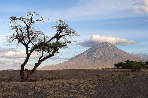 Near Lake Natron, Tanzania. Credit: Guillaume Baviere/Flickr, CC BY 2.0
