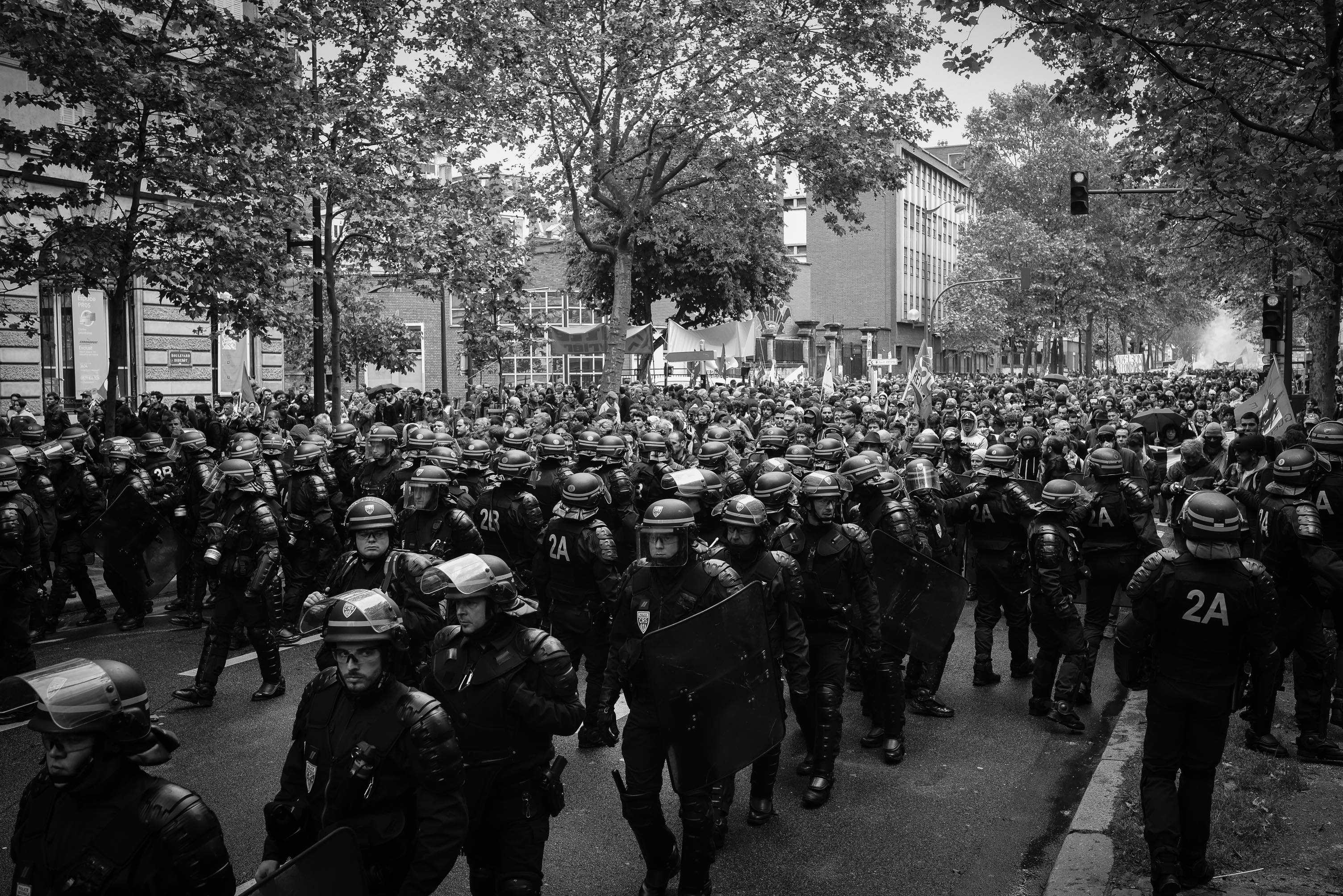 Police deployment at the head of a demonstration against the loi travail. Paris, 19 May. Credit: Laurent Gayer