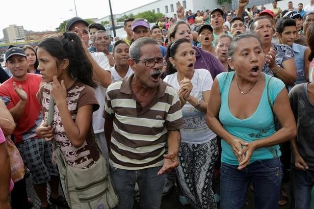 Venezuela: One More Dead in Food Riot Shooting, Says Legislator