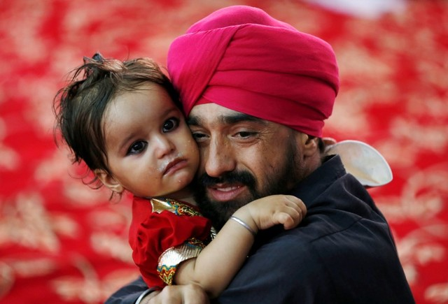 Afghanistan's Sikh, Hindu Communities Flee New Abuses