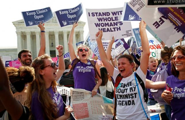 US Supreme Court Upholds Abortion Rights, Rejects Texas law