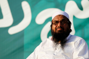 Hafiz Muhammad Saeed, chief of the banned  Jamat-ud-Dawa, presides over a Kashmir protest in Islamabad, Pakistan July 20, 2016. Credit: REUTERS/Caren Firouz