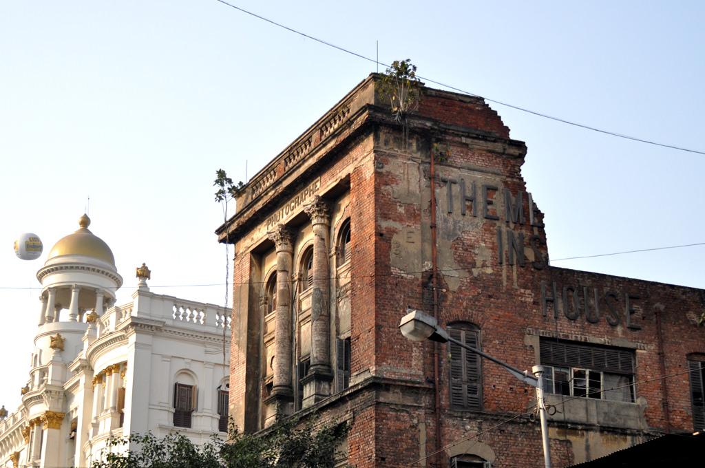 In Kolkata, the World's Oldest Photography Studio Shuts Its Doors