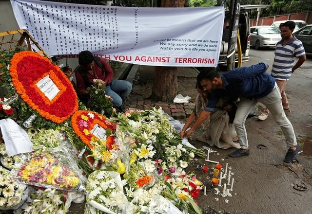 Hunt On for Six Accomplices of Dhaka Cafe Attackers