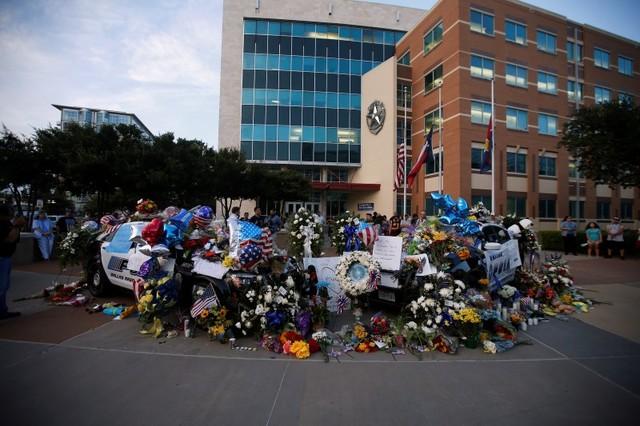 'Black Lives Matter' Condemns Dallas Shooting