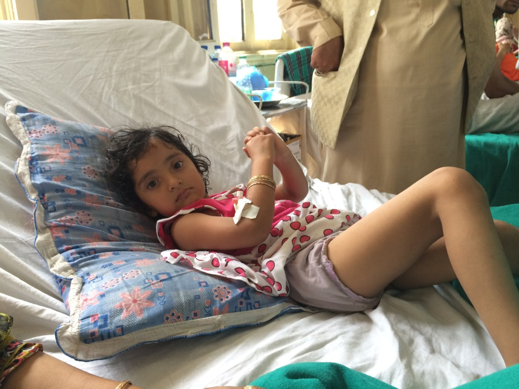 Zohra, who had 12 pellets in her legs, at SMHS hospital Srinagar. Credit: Shams Irfan