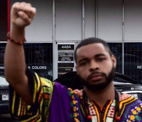 After Dallas Shootings, Police Arrest People for Criticising Cops on Social Media