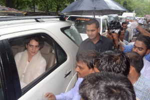 Priyanka Gandhi Vadra arrives in Rae Bareli to pay tributes to veteran Congressman Umashankar Misra, DCC president who died following prolonged illness on Monday. Credit:   PTI