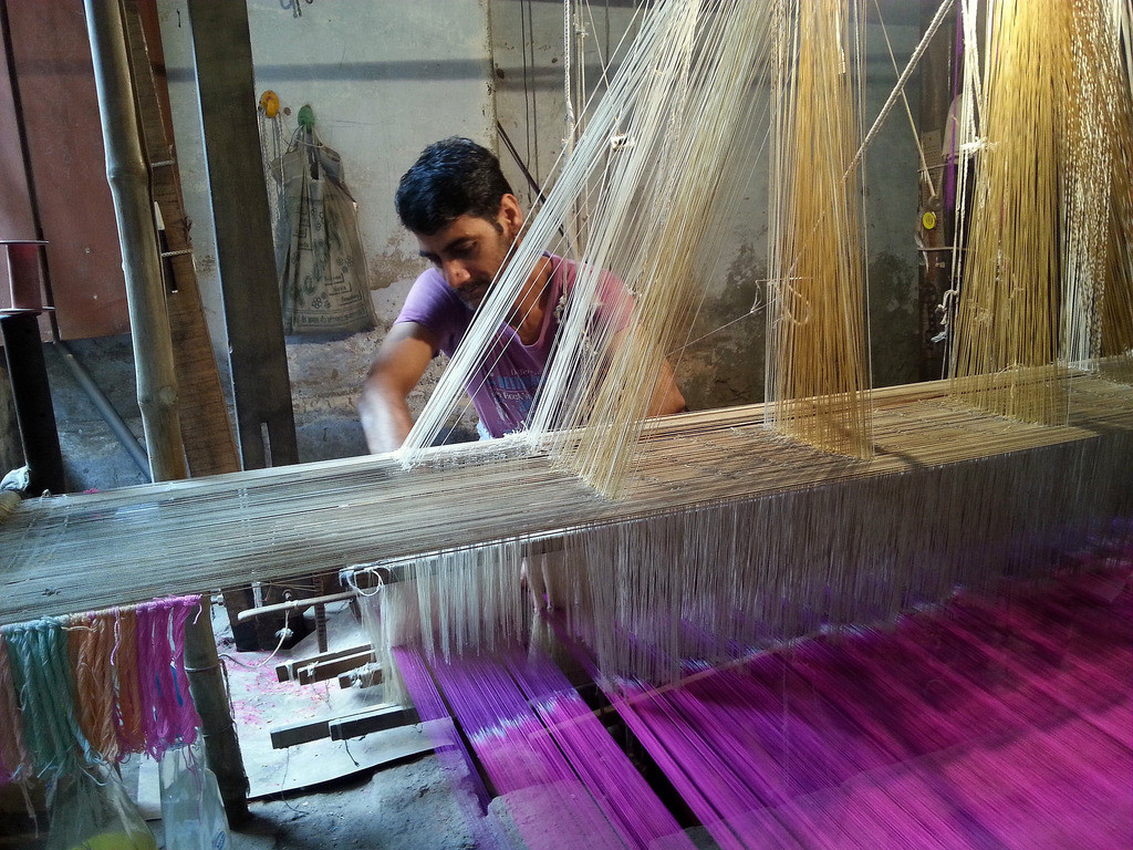 Mohammad Ismail, a handloom weaver in Varanasi. Credit: Anandamoy/ Flickr